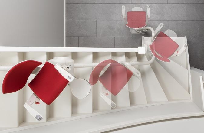 De Otolift Modul-Air is een traplift geschikt voor binnenbocht. Dankzij de automatisch draaibare zitting, kunt u altijd veilig afstappen.