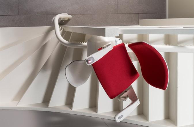 De Otolift Modul-Air is het beste model voor een traplift aan de binnenbocht van de trap.