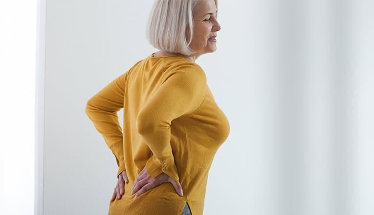 Mevrouw heeft klachten van artrose rug zoals stijfheid en pijn.
