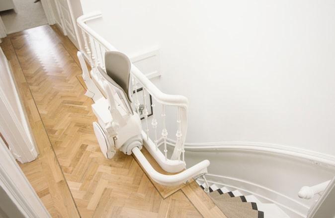 Een regelmatig schoongemaakte Otolift traplift ziet eruit als nieuw en gaat langer mee.